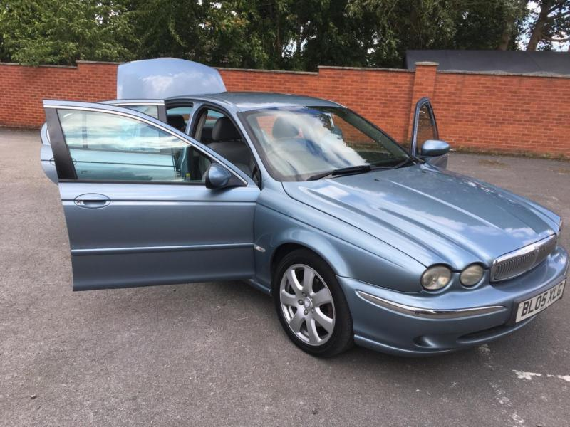 Jaguar X-Type 2.2 SE TURBO DIESEL. LEATHER, HEATED SEATS, CRUISE CONTROL.