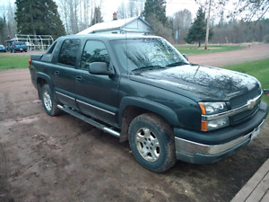 03 Chevrolet Avalanche Z71 (Sale/Trade)