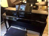 Yamaha Clp-535 Clavinova high gloss black digital piano with stool. MINT
