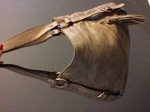Lightly used beige leather lv Louis Vuitton purse bag