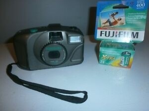 CAMERA=35MM==PANORAMA-2-WAY-FOCUS-LENSE=AVEC=UNE=KODAK-S-10=35MM