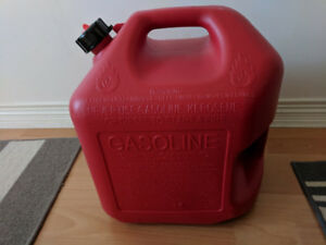Brand New 5 Gallon Gasoline Jerry Can