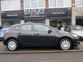 2013 Vauxhall Astra 1.4 VVT 16v ( 100ps ) Exclusiv 5DR 13REG Petrol Black