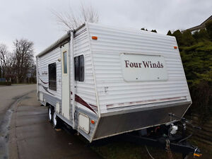 2006 FOUR WINDS Travel Trailer - Great Shape **MUST SEE**