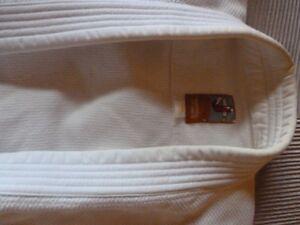judogui, vêtement de judo.