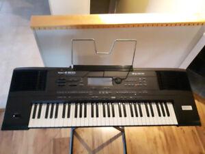 Clavier arrangeur de marque Roland
