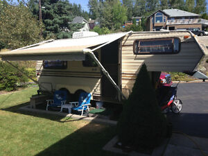 20' Lightweight Travelaire 5th Wheel Trailer