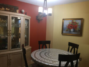 furnished room for female steps from Brentwood mall