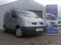 RENAULT TRAFIC SL27 DCI S-R 115 6 Speed ROOF RACK and TOW BAR (silver) 2013