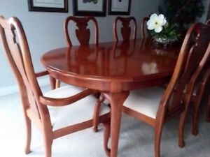 Thomasville Cherry wood 11 piece dining set.