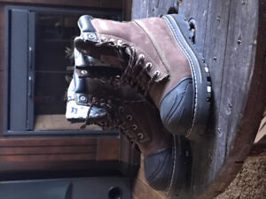 Female Steel toed work boots size 9