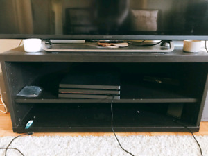 TV STAND / Multiple Shelves