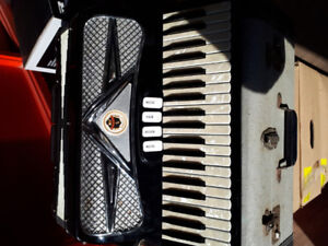 ACCORDION VIVONA