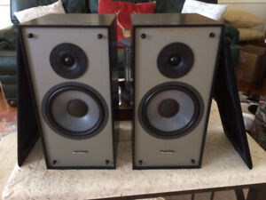 PARADIGM 3 SE Speakers