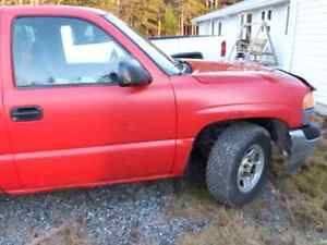 2002 GMC truck with cap