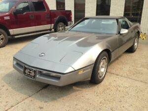 REDUCED 1984 Corvette ... bids start 6000 and 7000 takes it