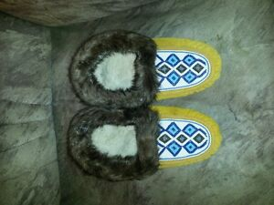 100% REAL AUTHENTIC NATIVE HANDCRAFTED MOCCASINS