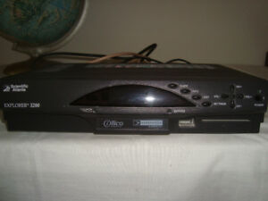 VIDEOTRON CABLE BOX, with remote