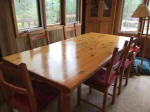 Solid Pine Harvest Table with 5 Chairs