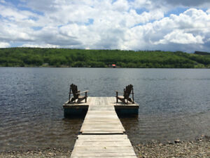 Large 2+ Bedroom Cottage with awesome dock @ Lochaber Lake