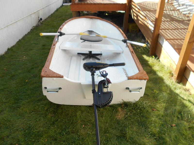 10ft Fiberglass widebody Fishin Boat & Motor! | Powerboats & Motorboats |  Kamloops | Kijiji