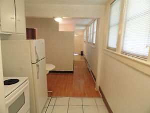 Clean Quiet 1 Bedroom Apartment Close to All Amenities