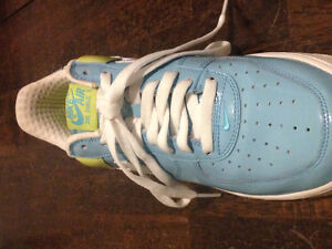 Nike Air Force 1 Shoes Mint Condition London Ontario image 4