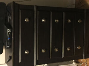 4 piece bdrm 2 dressers with mirror, nght stand and head board