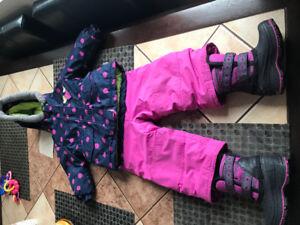 Habit de neige et souliers  12 mois