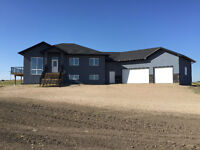 STUNNING ACREAGE JUST OUTSIDE OF SASKATOON