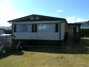 Double wide mobile home, 1150 Sq ft