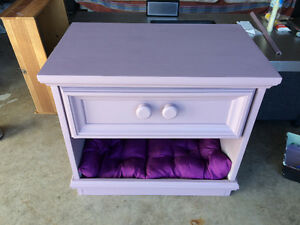 Cat or small dog pet/nightstand