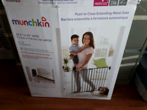 New in the box metal baby gate to open close