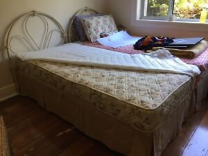 Extremely clean, high quality single bed with custom bedspreads Newcastle Newcastle Area Preview