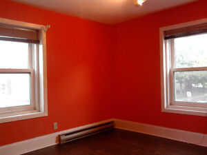 An all-inclusive beautiful room in ByWard Market area for Rent!