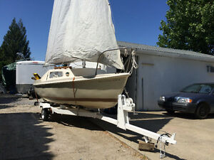Classic DS 16 sailboat