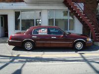 2001 Lincoln Town Car , Cartier,  toit ouvrant, Berline tout équ