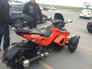Can-Am Spyder 2012