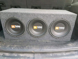 "Three 10"" JBL subwoofers with 1000watt amp"