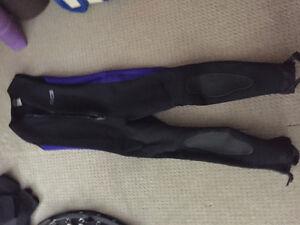Men's wetsuit size medium