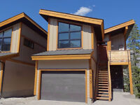 7 Months, Fully Furnished in a NEW Canmore townhouse - Oct 1
