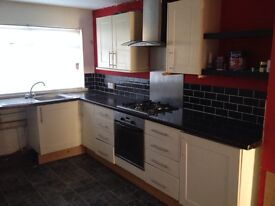 AVAILABLE. AD UPDATED 17 JULY 2016. 2 bedroom mid terrace in kilwinning, pennyburn. dss accepted