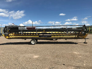 New Holland 2008 94C 30 ft draper header
