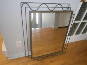 Miroir rectangulaire cadre en métal