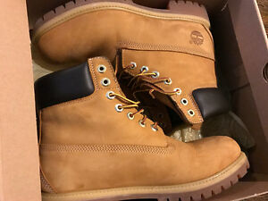Women's /Girls Timberlands boots size 7 new condition