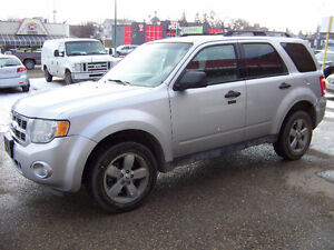 2011 FORD ESCAPE XLT!!