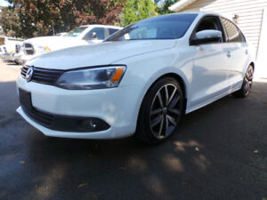 2012 VW JETTA, 2.5L, LEATHER, MOON, CLEAN CARPROOF, X2SETS TIRES