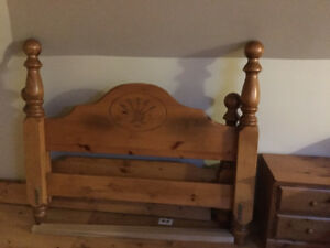 beautiful solid pine 4 poster queen bed frame.