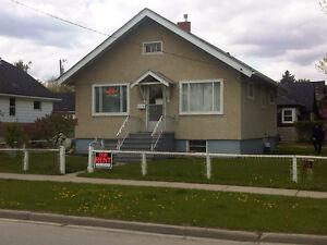 Renfrew - House for Rent !