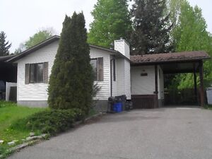 $1550 / 4br - Beautiful Home In College Heights